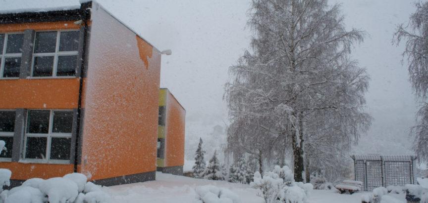 Snijeg u travnju neobična ili redovna pojava? Evo što kaže struka i kako zaštiti voćnjak