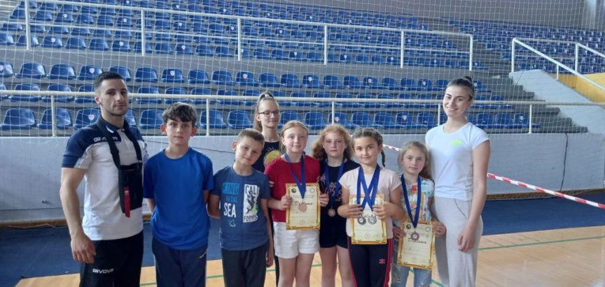 ŠIROKI BRIJEG: Nove medalje za ramske karatiste iz KK EMPI