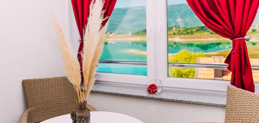 FOTO-PATROLA: U gostima kod obitelji Markešić na Šćitu
