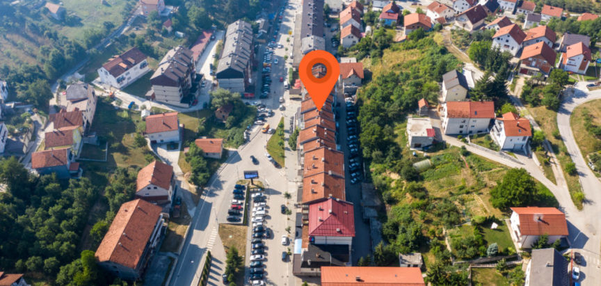 PROZOR: Na prodaju renoviran stan u centru grada