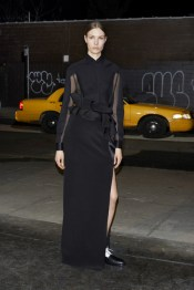 givenchy_035_1366.450x675
