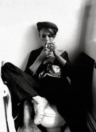 david bowie reading and smoking