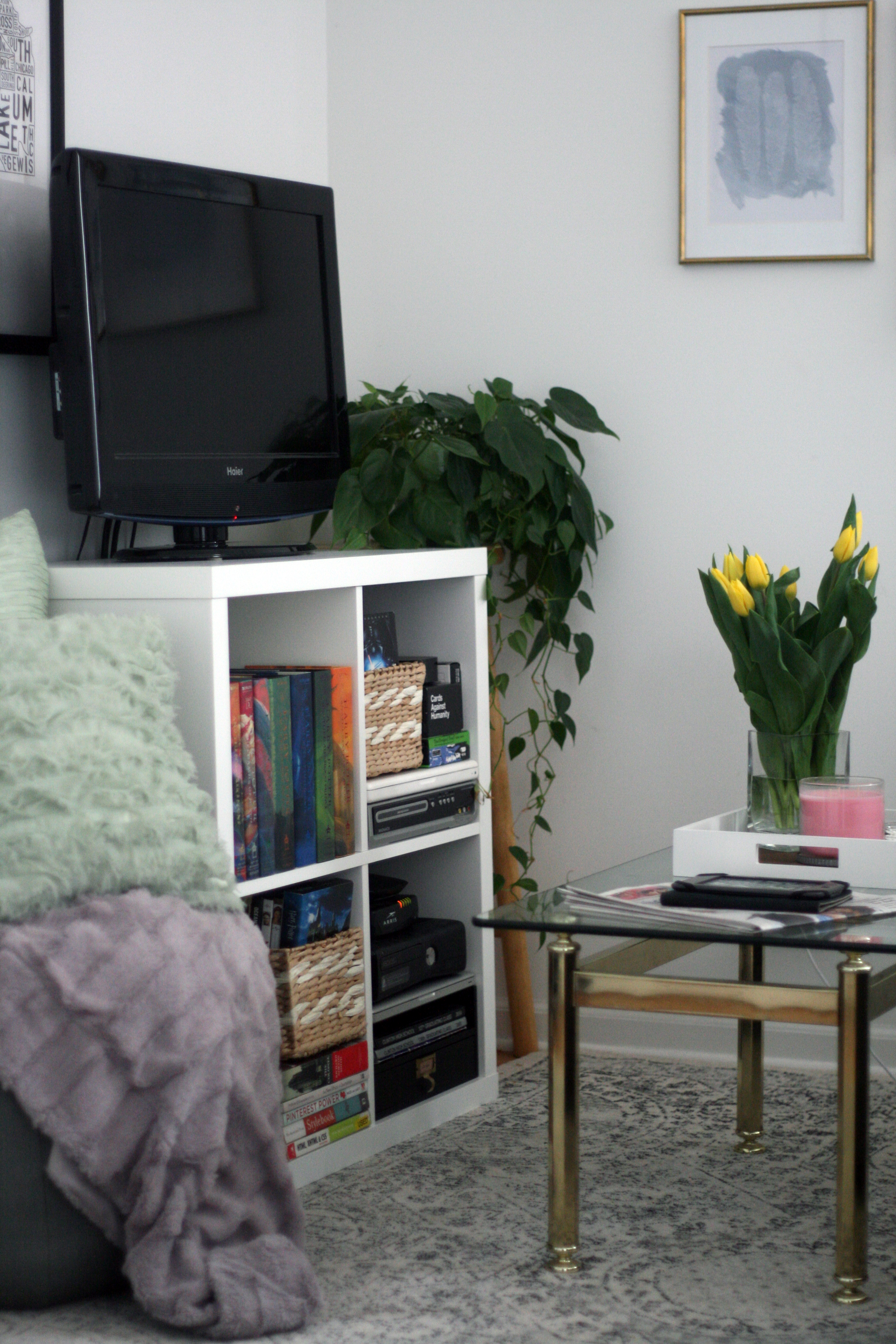 Interior Design Tips For Small Spaces A Sneak Peek Of My Chicago - Interior-design-tips-for-small-apartments