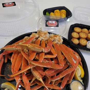 crab legs, cornbread, corn, R&L crab co, crabs, snow crabs