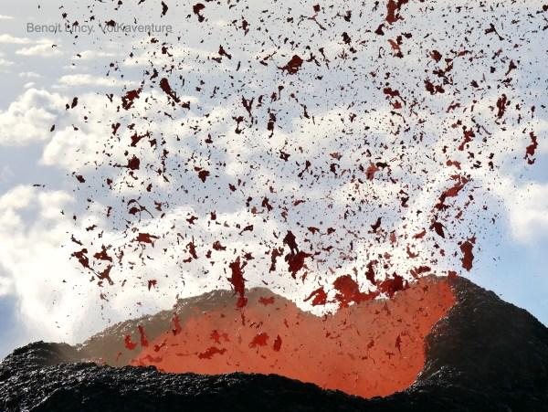 première éruption 2020 du Piton de la Fournaise!