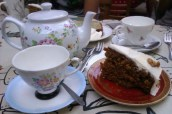 20-Teapot and Cups at Powerscourt center2