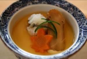 名残鱧と松茸の茶碗蒸し