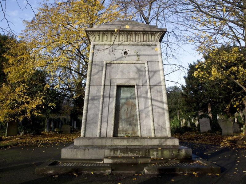 The curious London's time-traveling tomb