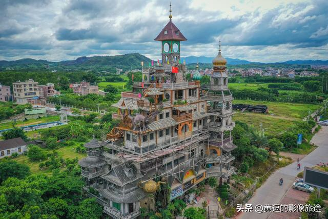 Peasant Art Building – one of the strangest buildings in China