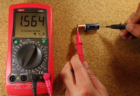 How to Use a Multimeter - Beginner's Guide | Random Nerd