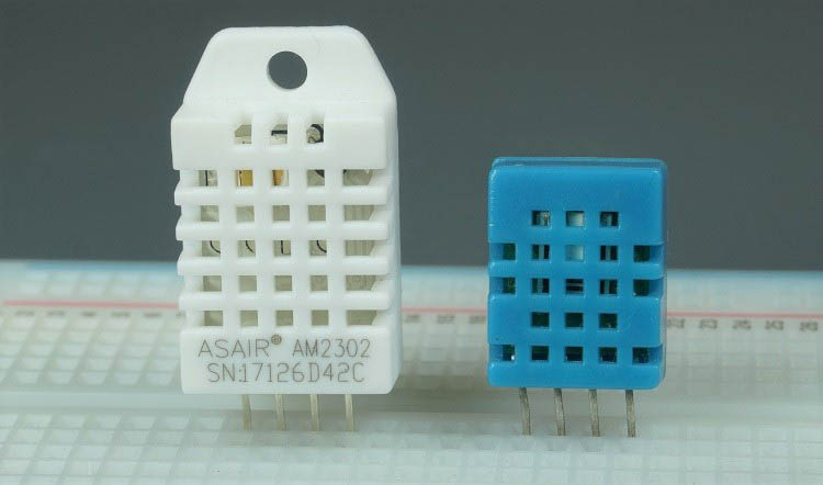 DHT11 vs DHT22 Temperature and Humidity Sensor