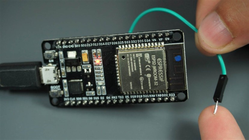 ESP32 Touch Pins with Arduino IDE