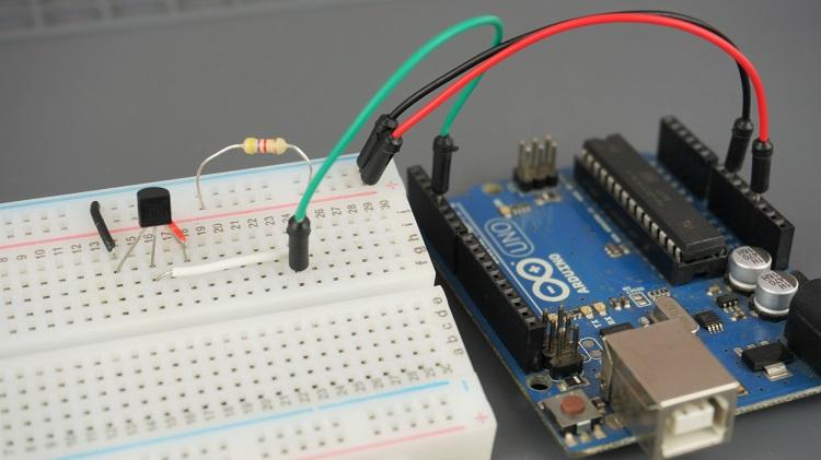 Arduino with DS18b20 Temperature Sensor