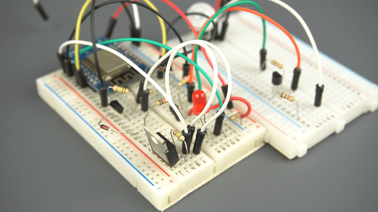 Auto Power Off Latching Power Circuit Breadboard Design