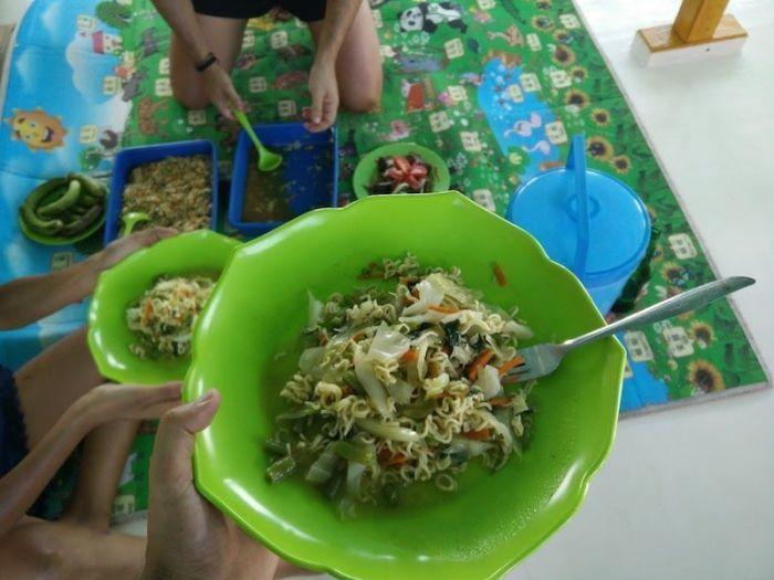 Comida Barco Flores a Lombok