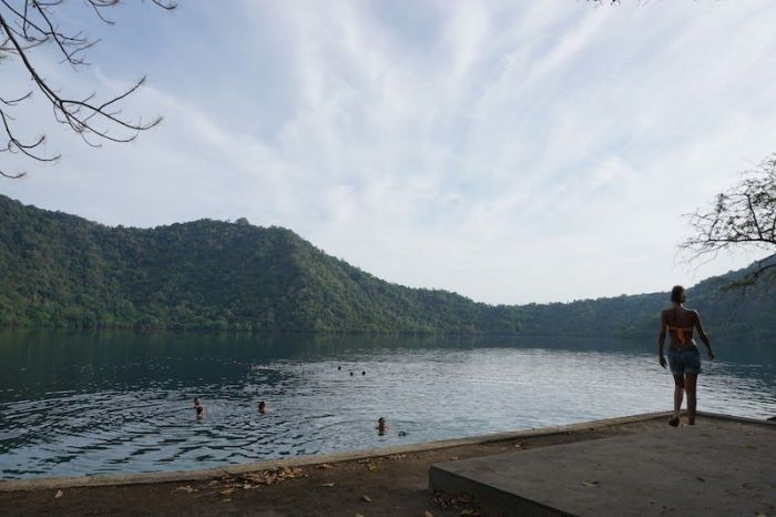 Lago de agua salada en Satonda Island
