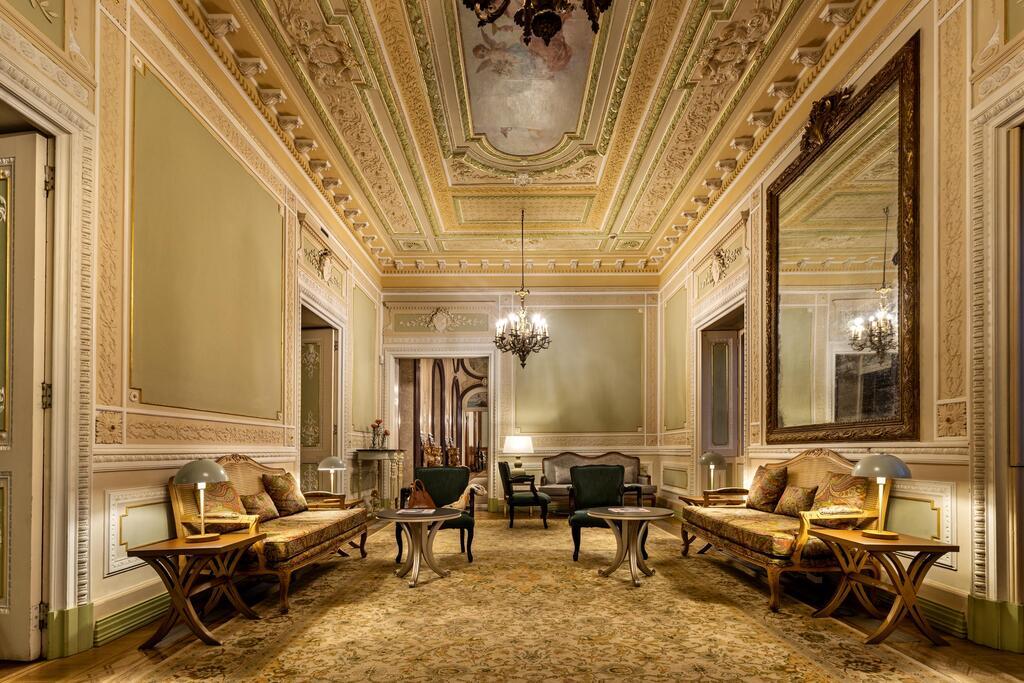 Interior del palacio de Estoi, foto de Booking