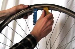 démonte-pneu_réparation_éviter les crevaisons à vélo