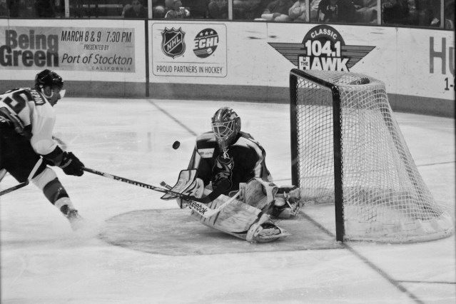 Stockton Thunder hockey - defending the goal