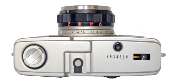 The controls on the Olympus Trip 35 are very simple top operate.