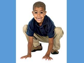 boy_crouching_like_frog_SonnySenser