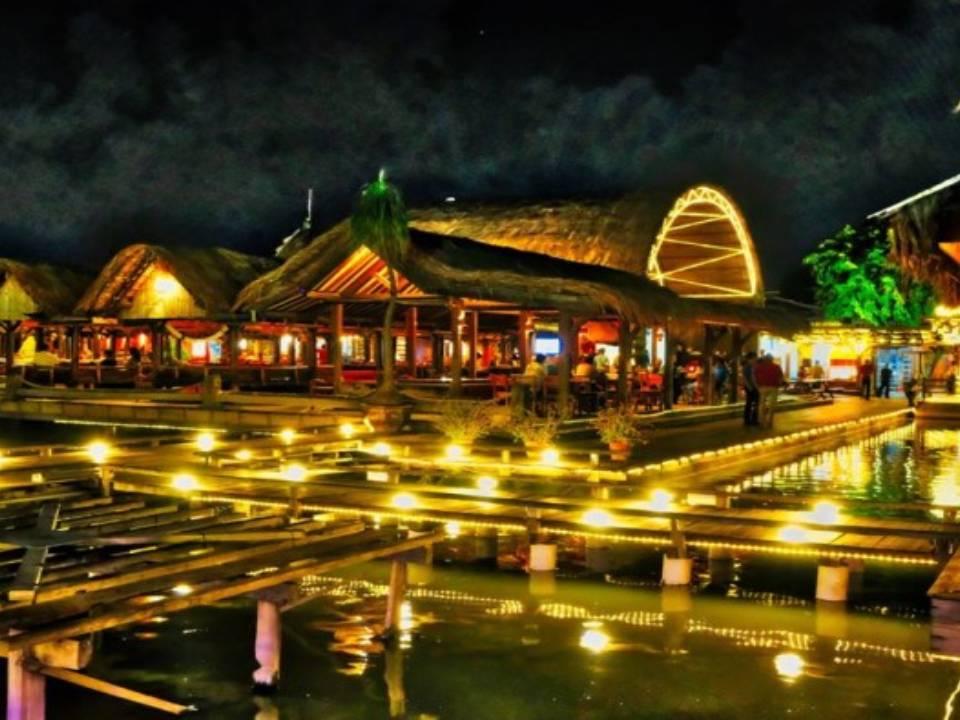 34 Cafe Restoran Rumah Makan Favorit Di Semarang Ranggawisata