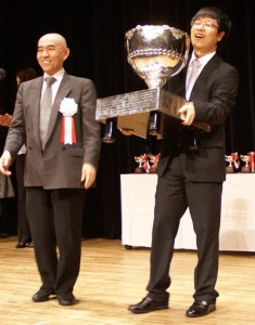 Masaki Takemiya (left) and Baoxiang Bai