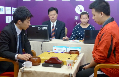 Chou Chun-Hsun (right) in his 4th round game with Fujita Akihiko