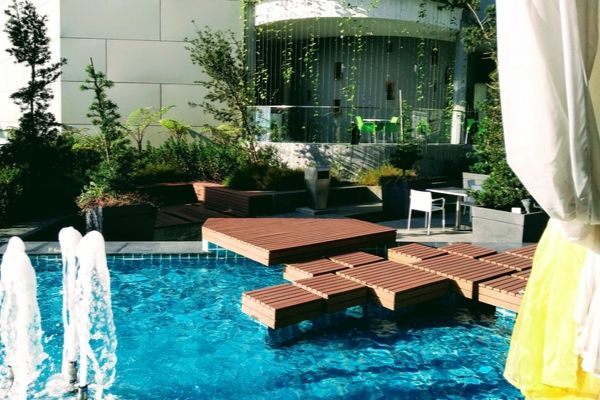 How To Enhance The Look Of Your Home By Garden Decking