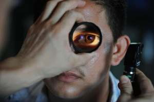 The 4 Things to Expect While Having an Eye Examination Done at an Optical Store
