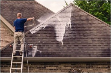 What Are The Benefits That Come With Roof Cleaning