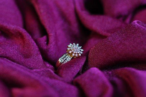 ダイヤモンド査定は慎重に!買い叩かれないためにするべきことは?
