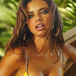A modelo brasileira Adriana Lima, em quarto lugar