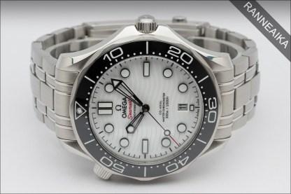OMEGA Seamaster Professional 42mm White ref. 210.30.42.20.04.001
