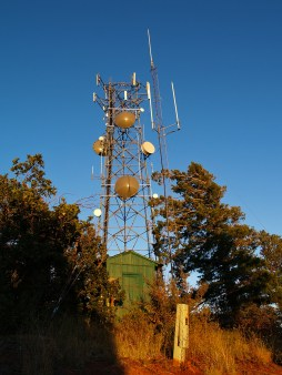 A shack on a mountain with some badass antennas: What more could a radio geek want?