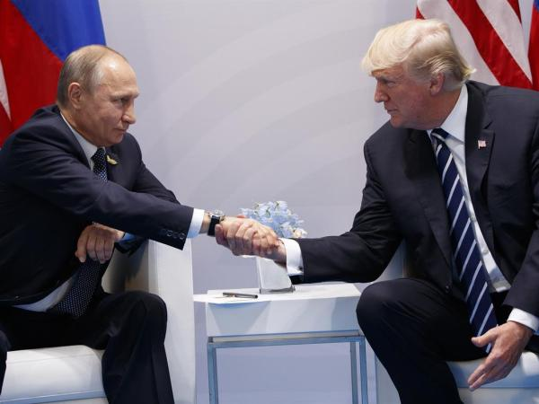 Putin's Professional Trolls Catfished And Paid Pro-Trump Activists In The US