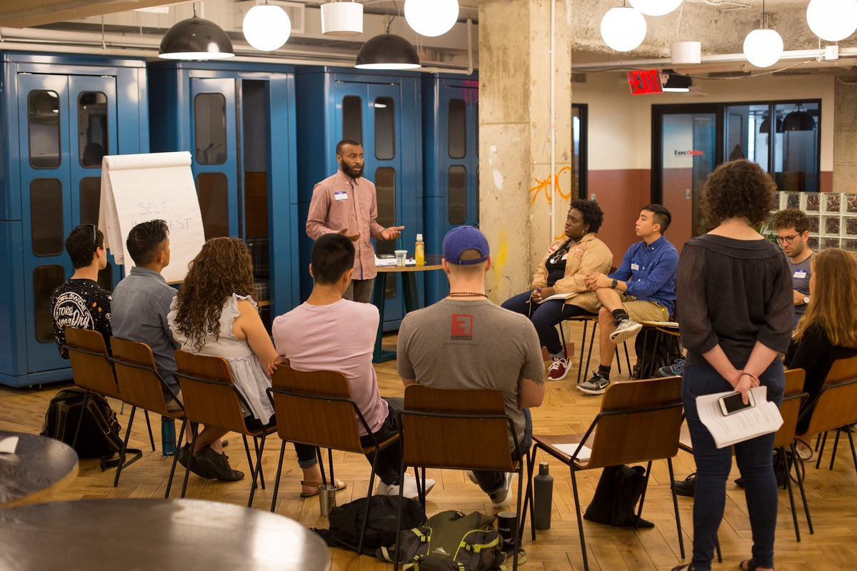 Fellowship Co-Lead CJ Jackson leading a Rising Organizers Fellowship Training.