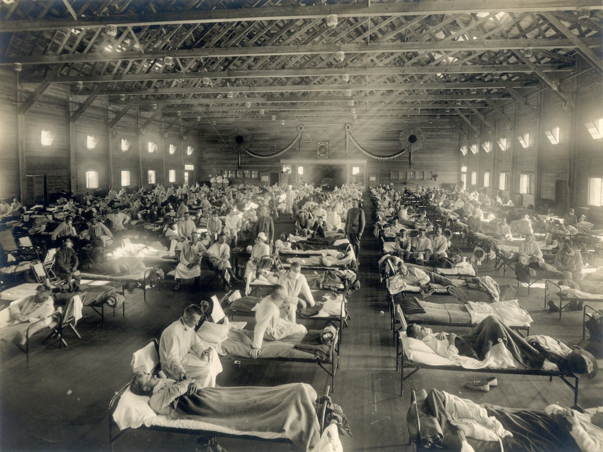 Camp Funston, at Fort Riley, Kansas, during the 1918 Spanish flu pandemic (Uncredited photographer for St. Louis Post Dispatch/Public domain)