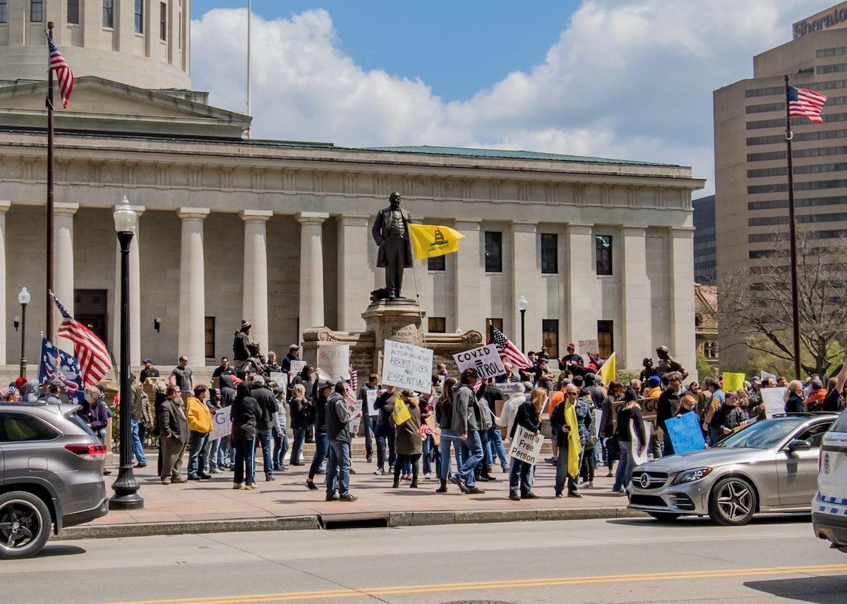 Columbus coronavirus protests at the Ohio Statehouse – April 18, 2020 (Ɱ/Creative Commons License)