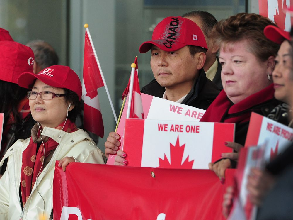 A group of Canadian residents of Chinese descent protest racism – 2016 (NICK PROCAYLO/PNG)