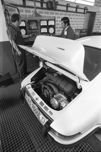 porsche-911-carrera-rs-9