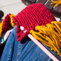 How to make a fringe (on a knit / crochet project)