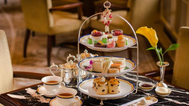 The-Peninsula-Hong-Kong-Afternoon-tea