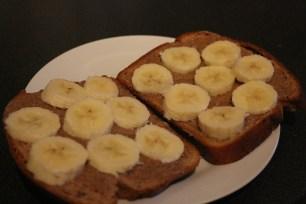 Pão + Banana + Manteiga Amendoim