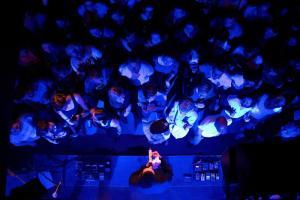 Konzert-Bild von oben im Hotel Wetternhorn