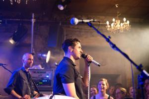 Seven Konzert im Keller vom Hotel Wetterhorn