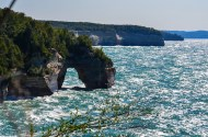 Pictured Rocks Lakeshore-arch-1