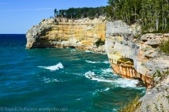 Pictured Rocks Lakeshore-cove-2