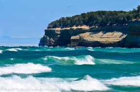 Pictured Rocks waves