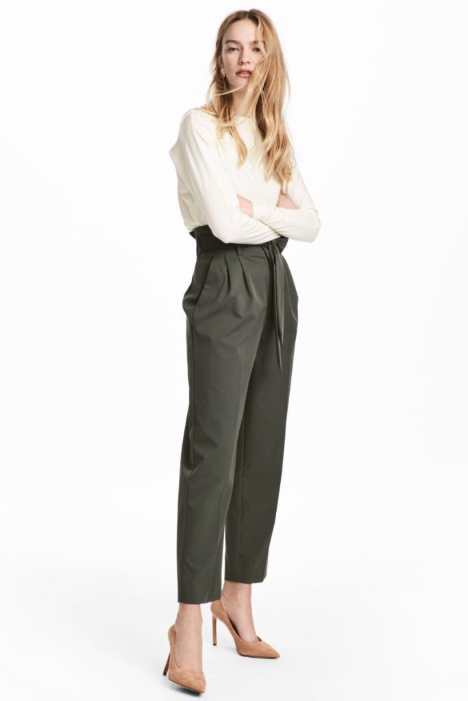 2018 Fashion Trends: Paper Bag Pants #spring #summer #fashiontrends #2018 #workoutfits #paperbag #pants #trousers